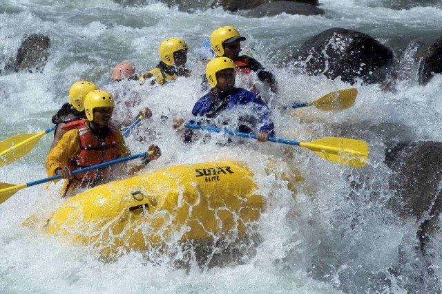 White water rafting at Chico River